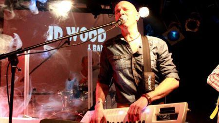 Jörg Dewald mit seiner JD Wood and Band