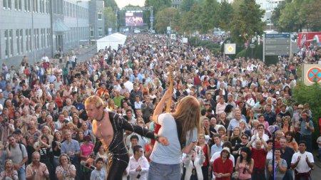 Jörg Dewald JD Wood mit Band Hot Stuff live