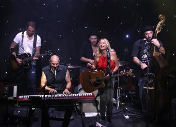 Jörg Dewald (JD Wood) mit Ina Morgan Band live @ Kultuhalle Stockheim