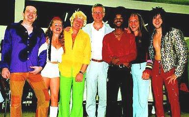 Jörg Dewald JD Wood mit Harald Schmidt und der Band Hot Stuff