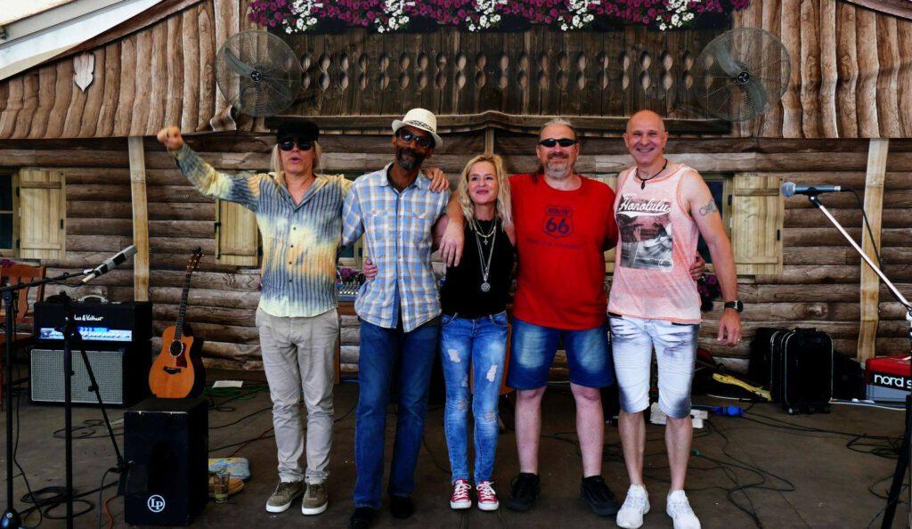 Neben dem bekannten Gitarristen aus Aschaffenburg sind mit Ina Morgan, Myron KB Kingsberry, Marcus Rippl und Jörg Dewald.